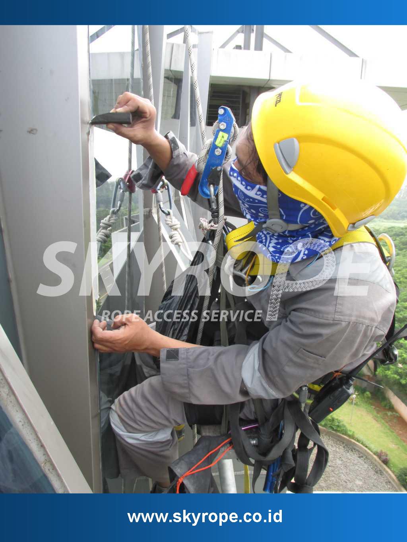 Jasa-Sealant-Kaca-Gedung-Jakarta
