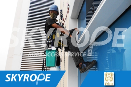 cleaning_rope access_Jave Palace Hotel_01