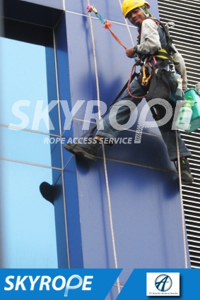 cleaning_rope access_PT_Atlantis Infotama Teknika_01