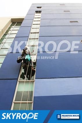 cleaning_rope access_Prasetiya Mulya Business School_01
