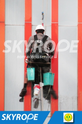 cleaning_rope access_UNJ_perpus_03