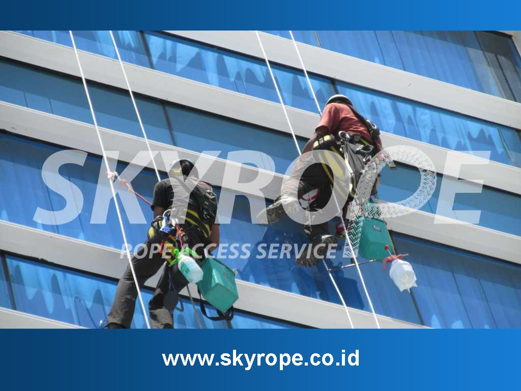 Jasa Pembersih Kaca Gedung di Jakarta Selatan Harga Murah