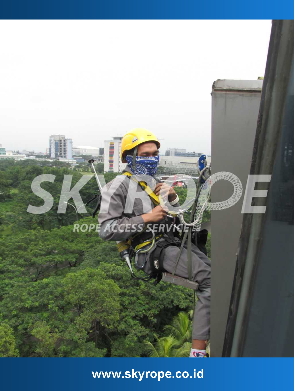 Jasa Pembersih Perawatan Kaca Gedung Di Ulujami Jakarta Selatan MURAH