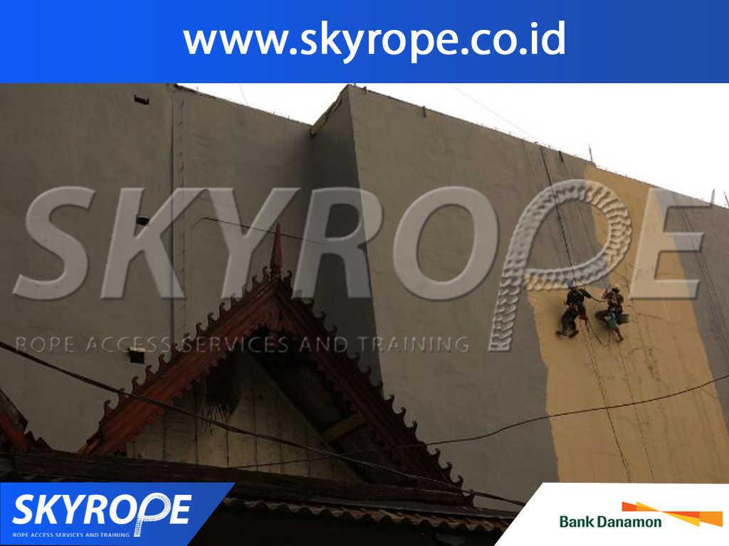 Bank danamon Jasa Pembersih Kaca Gedung di Jakarta
