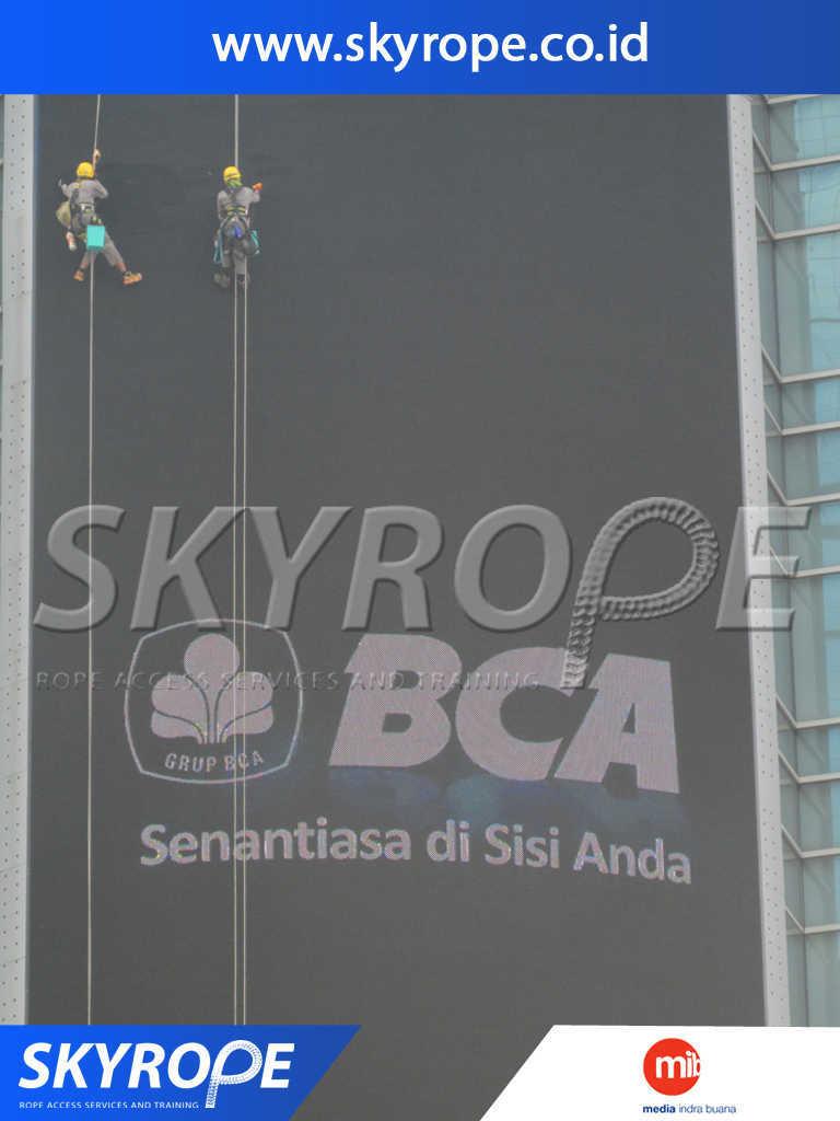 Dokumentasi Jasa Pembersih Kaca Gedung  Jakarta