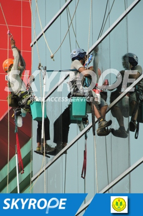 cleaning_rope access_UNJ_02