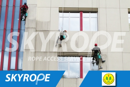 cleaning_rope access_UNJ_perpus_01