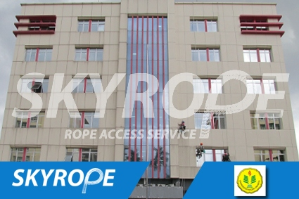 cleaning_rope access_UNJ_perpus_02