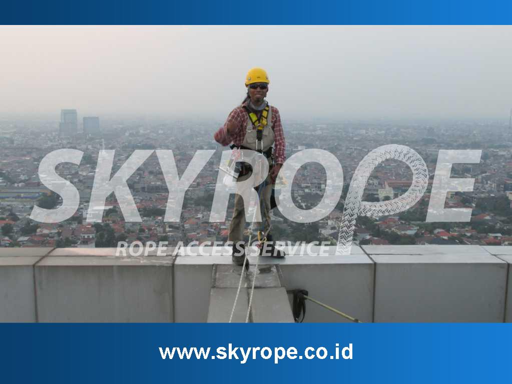 Jasa Pembersih Kaca Gedung Di Petukangan Utara- Jakarta Selatan murah