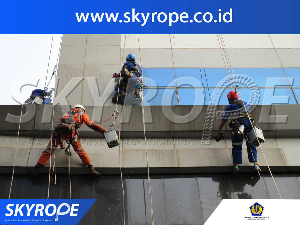 kementerian keuangan RI Jasa Pembersih Kaca Gedung di Jakarta