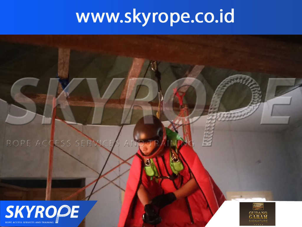 Jasa Pembersih Kaca Gedung di Gudang Garam Jakarta