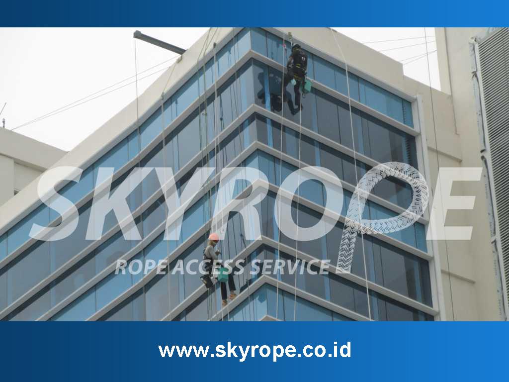 Pembersih Kaca Gedung Bekasi Cikarang Bandung
